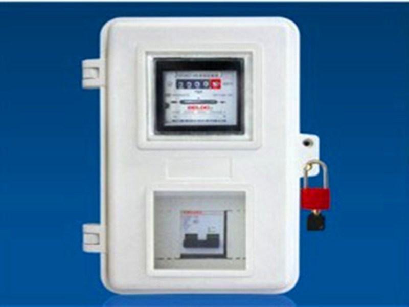 安装尺寸:257*370*155mm 可直接固定在墙上或电线杆上,适应装配任何规格的机械表或电子表,能安装漏电开关DZ47或RCL熔断器以及隔离开关。电表与开关单独分开,用户能控制开关,线路不能外裸,具有防窃功能。 山西电表箱 山西动力柜 山西电缆桥架 山西富兴盛电气成套设备有限公司